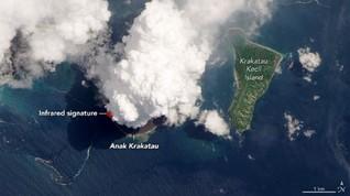 NASA Rilis Foto Gunung Anak Krakatau Erupsi dari Jarak Dekat