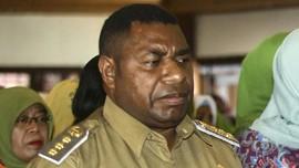 Mendiang Demas Paulus Mandacan, Kader PDIP Pemimpin Manokwari