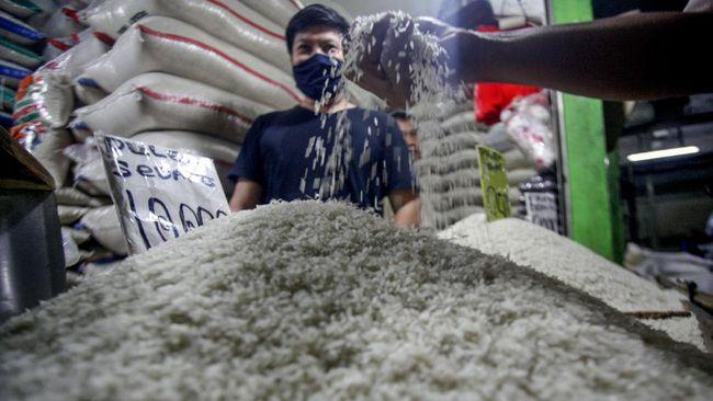 Menteri Perdagangan Agus Suparmanto menjamin ketersediaan bahan pokok untuk kebutuhan libur panjang akhir tahun.