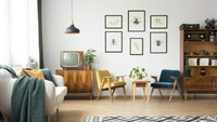 <p>Di ruang keluarga, Bunda bisa meletakkan kursi kecil yang nyaman. Furnitur televisi model lama juga cocok diletakkan di ruangan ini. (Foto: iStock)</p>