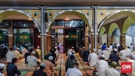 Pemerintah Izinkan Salat Tarawih dan Idulfitri di Masjid