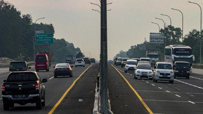 Ditlantas Polda Metro Jaya menyiapkan setidaknya tiga skenario untuk mengantisipasi kemacetan arus mudik Iduladha, di antaranya contraflow dan one way.