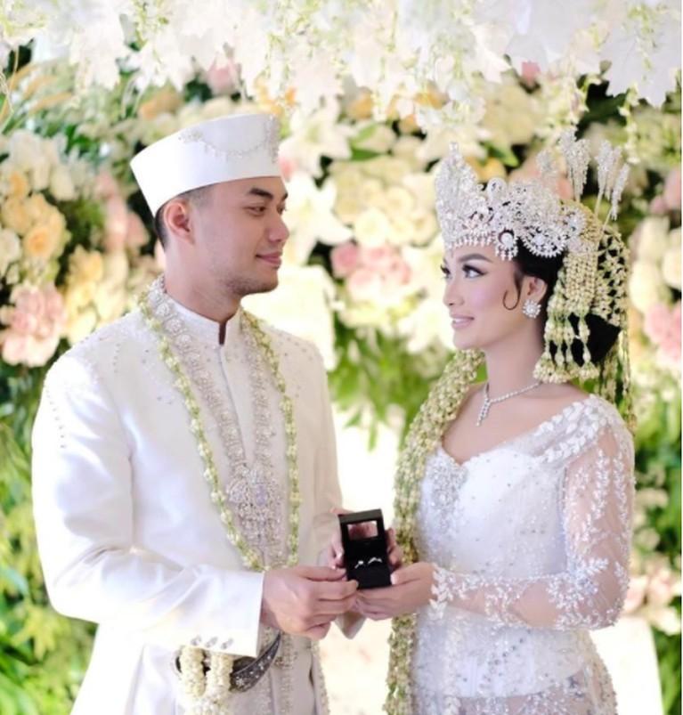 Zaskia Gotik dan Sirajuddin Mahmud