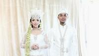 <p>Untuk menghindari fitnah, Zaskia 'Gotik' dan Sirajuddin memutuskan untuk menikah secara agama terlebih dahulu. (Foto: Instagram @mozawahyu)</p>