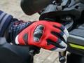 Cara Bersihkan Sarung Tangan Motor Selama Masa PSBB