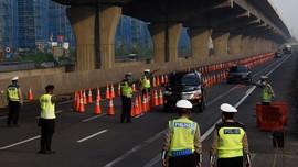 Polisi Cegat 320 Kendaraan yang Hendak Mudik Lewat Bekasi
