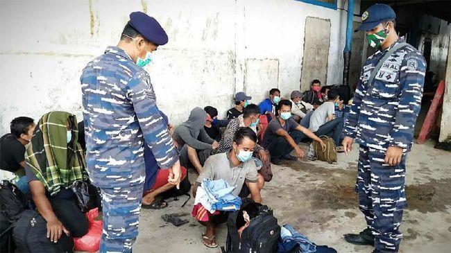 TNI AL Kembali Amankan Kapal 44 TKI Ilegal di Labura