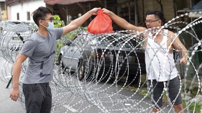 Foto Denyut Zona Merah Covid 19 Malaysia Di Balik Kawat Duri