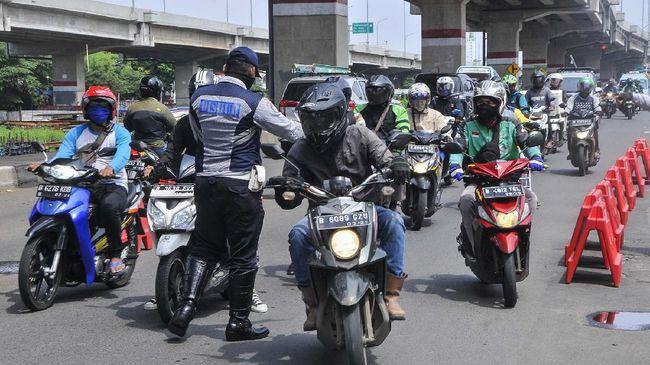 CNNIndonesia.com merangkum sejumlah peristiwa berkenaan dengan penanggulangan pandemi virus corona.
