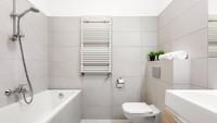 <p>Manfaatkan bagian dinding yang kosong untuk tempat penyimpanan dengan menambahkan rak gantung dengan ukuran minimalis. (Foto: iStock)</p>
