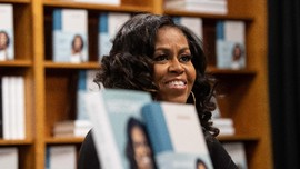 Michelle Obama Bakal Punya Podcast di Spotify