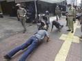 Pelanggar PSBB Jakarta Dijatuhi Sanksi Pungut Sampah