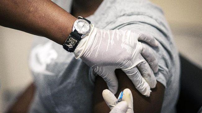 Pemerintah Singapura memulai proses vaksinasi virus corona (Covid-19) pada Rabu (30/12).