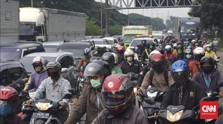 Macet PSBB Surabaya Akibat Volume Kendaraan Masih Tinggi