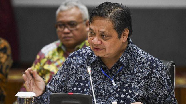 Epidemiolog UI Pandu Riono menilai Menko Perekonomian Airlangga menutupi kondisi yang sempat positif covid-19 karena takut dibully.