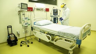 CT Corp Serahkan Alat Medis ICU dan HCU untuk Corona di RSCM