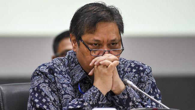Menko Perekonomian Airlangga Hartarto mengatakan RI belum bisa membuka penerbangan internasional karena covid sehingga kunjungan turis asing masih dibatasi.