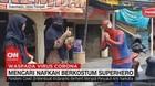 VIDEO: Mencari Nafkah Berkostum Superhero