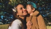 <p>Acha Septriasa punya satu anak perempuan, namanya Brie. (Foto: Instagram @septriasaacha)</p>