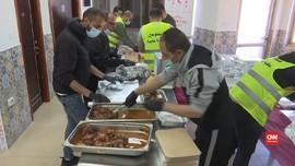 VIDEO: Antar Makanan Buka Puasa untuk Warga Palestina