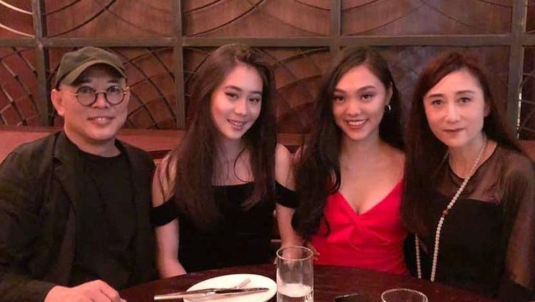 Jet Li dan dua putri cantiknya