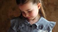 <p>Pada 2 Mei 2020, Princess Charlotte genap berusia 5 tahun, Bunda. Akun resmi Kerajaan Inggris pun merilis foto-foto terbaru Charlotte, tepat di hari ulang tahunnya. (Foto: Instagram @kensingtonroyal)</p>