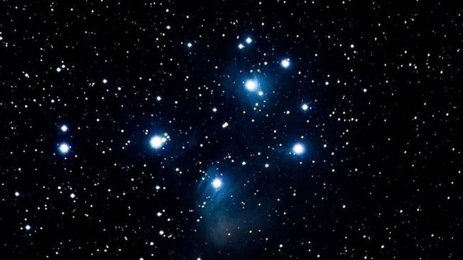 Tsuraya (thuraya) atau dalam istilah astronomi populer disebut sebagai gugus bintang terbuka Pleiades, merupakan sekumpulan bintang yang terletak di dekat rasi Taurus.