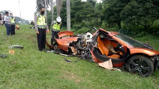 Supercar Mclaren Kecelakaan di Jagorawi, Penumpang Selamat