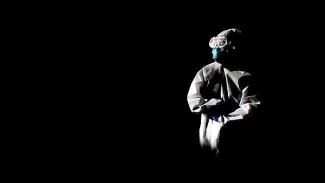 Jumlah riil kematian tenaga kesehatan akibat Covid-19 di Indonesia memang bukan yang terbanyak di dunia, secara persentase sendiri berada di urutan tiga dunia.