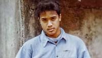 <p>Bunda masih ingat Dede Yusuf? Ya, aktor yang membintangi film <em>Catatan Si Boy</em> bersama Onky Alexander. Di film yang <em>ngehits</em> akhir 1980-an itu, Dede berperan sebagai Andi, teman karib Boy. (Foto: Instagram @ddyusuf66)</p>