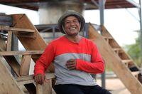 Kisah Petani Kayu Putih, Dulu Serba Kekurangan Kini Punya Rumah