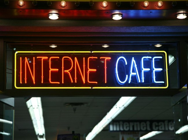 Bertahan dari Pandemi Corona di Bilik Kafe Internet Tokyo