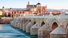 Masjid di Spanyol yang 'Dibelah' untuk Umat Muslim & Kristen