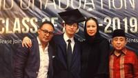 <p>Adiro merupakan lulusan British School Jakarta. Ia lulus dari sekolah itu tahun 2019 lalu. (Foto: Instagram @dipoditiro)</p>