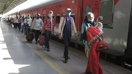 FOTO: Pekerja Migran India Mulai Mudik usai Lockdown