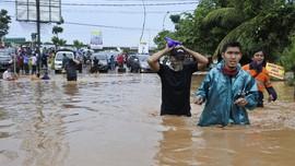 Banjir di Samarinda Meluas saat Idulfitri, Akses Jalan Lumpuh