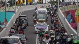 Polisi Bisa Tilang Warga yang Kawal Ambulans di Jalan