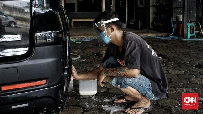 Bersihkan eksterior dan interior mobil usai menempuh perjalanan cukup panjang.