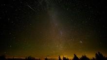 7 Fenomena Hujan Meteor Oktober, Bisa Dilihat Tanpa Alat