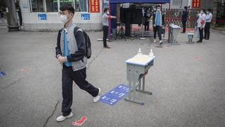 3 Pelajar China Meninggal Karena Kenakan Masker saat Olahraga