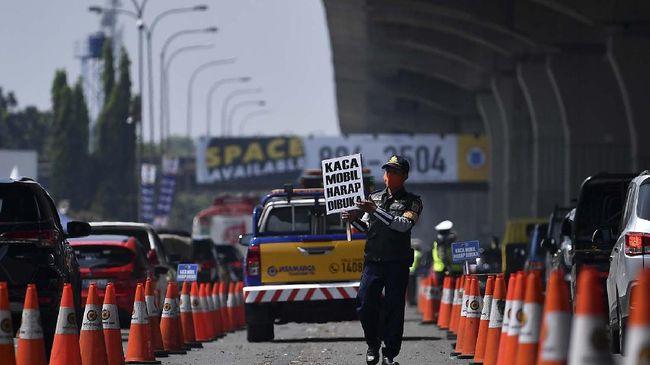 Organda Makassar meminta pemerintah memberikan kompensasi kepada sopir dan juga perusahaan biro perjalanan yang dirugikan akibat kebijakan larangan mudik.