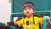 Wah, Magika sudah siap olahraga nih. Mau jadi atlet seperti kak Mikhayla ya? (Foto: Instagram @ramadhaniabakrie)