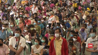 VIDEO: Ribuan Warga Thailand Antre Bansos dari Pemerintah