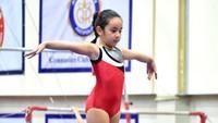 Mikhayla ternyata jago olahraga gymnastic, Bun. Ia pernah menyabet 3 emas di kejuaraan gymnastic di Bangkok, Thailand, beberapa waktu lalu. (Foto: Instagram @ramadhaniabakrie)