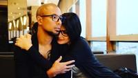 <p>Rumah tangga Marcell Siahan dan Rima Melati Adams terlihat adem ayem dan jauh dari gosip. Keduanya baru merayakan ulang tahun pernikahan yang ke-11 pada Januari lalu. (Foto: Instagram @rimamelati)</p>
