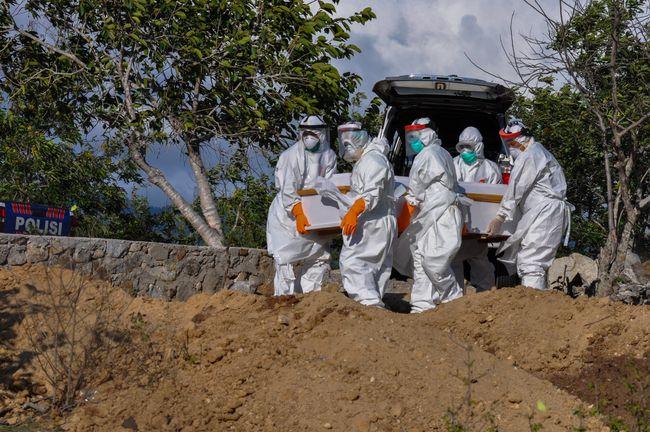 Kasus Harian, Aktif dan Kematian Covid RI Tertinggi di ASEAN
