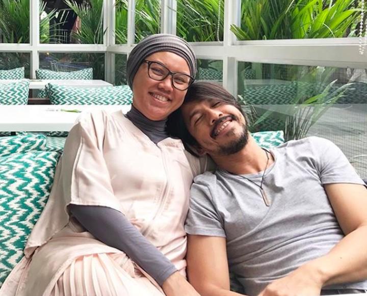 Ariyo Wahab dan istri