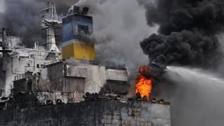 Polisi Selidiki Kebakaran Kapal Tanker Jag Leela di Belawan
