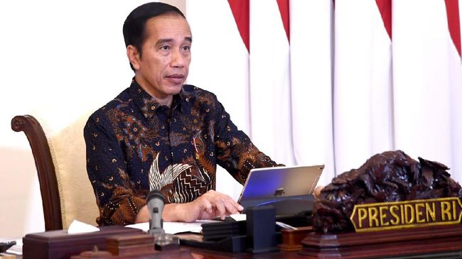 Presiden Joko Widodo membuka rapat terbatas, Selasa (12/5)