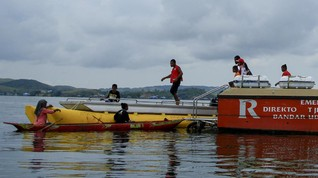 Tim Gabungan Evakuasi Badan Pesawat MAF di Danau Sentani